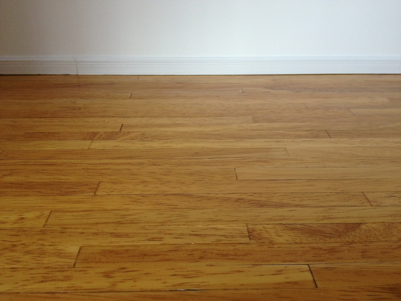 Laminate flooring lay click together laminate flooring for Laying laminate flooring